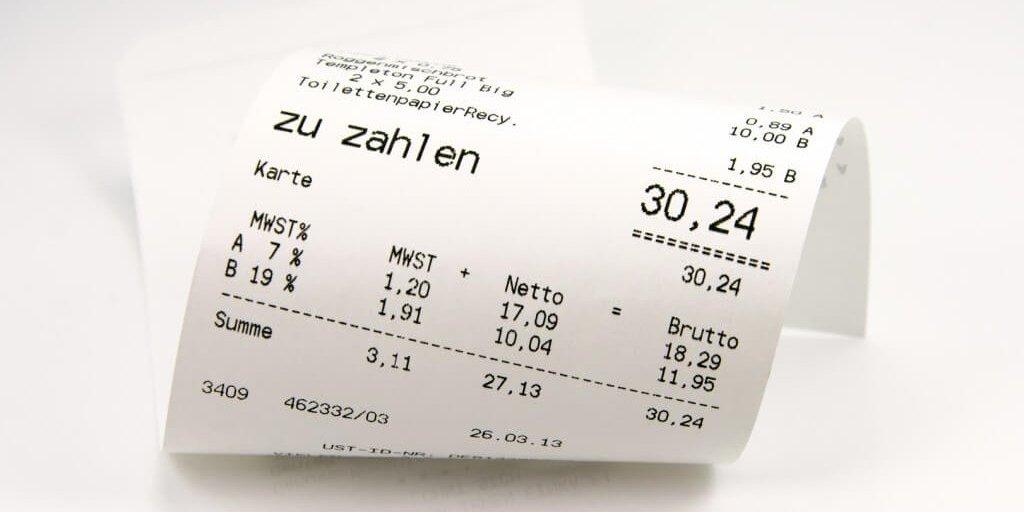Kassenzettel bei Barzahlung vor dem Scannen mit der App